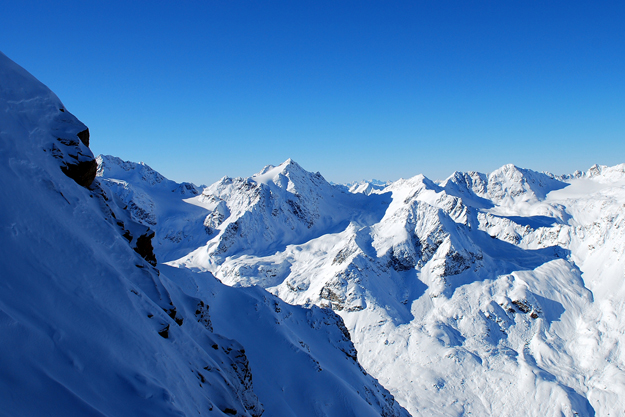 Third climber dies after avalanche in Scottish Highlands