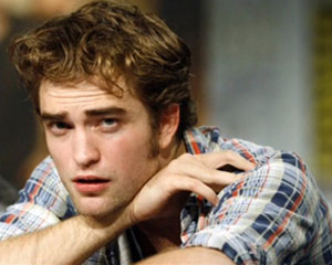 Robert Pattinson's first awkward interview after Kristen's cheating scandal