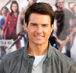 Tom Cruise stops for curry and wasn't able to pay his £220 bill