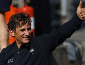 Hand-cycling racer Alex Zanardi wins gold at the Paralympics