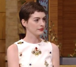 Anne Hathaway to sing at first-ever concert in New York