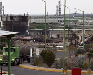 A Mexican gas plant explosion kills up to 30 people