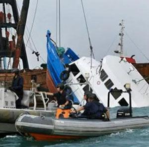 Hong Kong boat crash kills 36 people