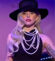 Lady Gaga booed for being late at perfume's launch