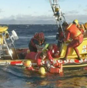 One Brit dead on seal-watching trip as boat capsized