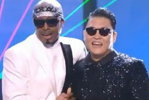 MC Hammer and Psy performed 'Gangnam Style' dance routine at AMA's