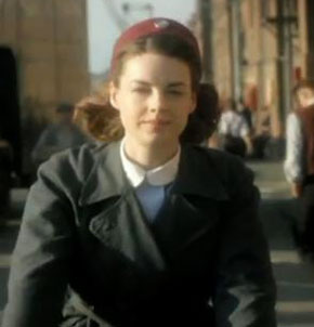 'Call the Midwife' moved to avoid clash with 'Downton Abbey'