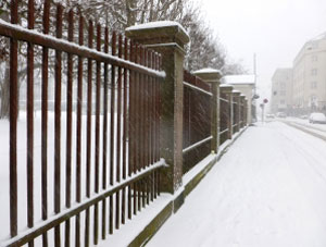 Snow causes widespread problems for Britain