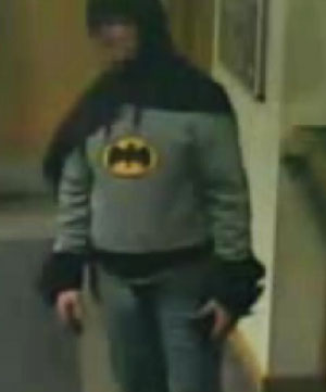 """""""Batman"""" handed over a wanted man to the police"""