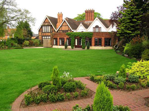 House insurance: insure the garden too!