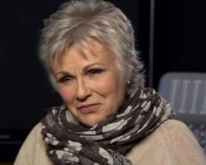 Julie Walters wins at Bank Sky Arts Awards