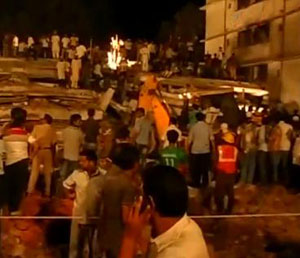 Building collapses near to Mumbai leaving many dead
