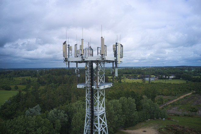 Earley Residents Concerned About Mast Location