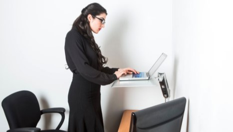 What Are the Benefits of a Sit/stand Desk?