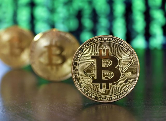 Give Some Attention to The Various Thing That You Can Do with Bitcoin!