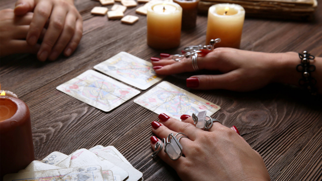 4 Reasons to Get Psychic Reading on Future Career